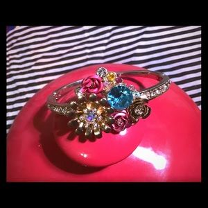 Beaty Johnson Flower Bracelet